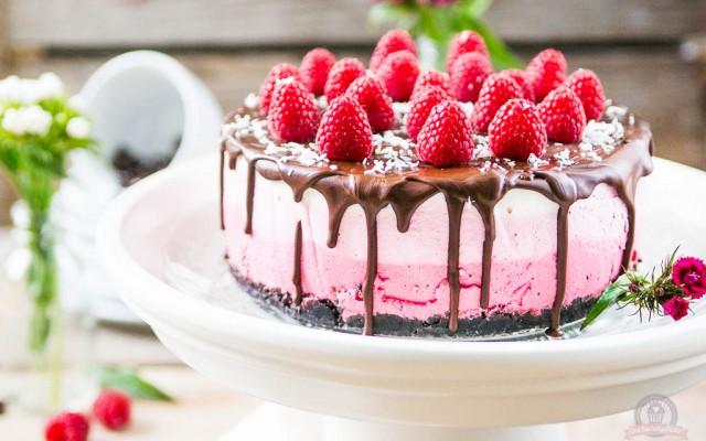 Raspberry Ombre Cake – Pink, pink, pink sind alle meine Törtchen…