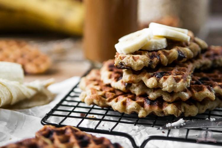 Chocolate Chip Oatmeal Waffles – mit viel Schoki und Karamell in einen neuen Waffelsonntag…