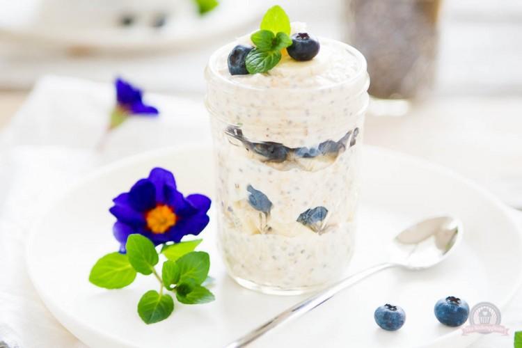 Blueberry Overnight Oats – ein Frühstückchen to go… {enthält Werbung}