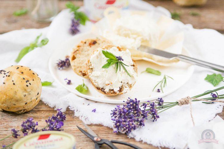 Olivenbrötchen – Französisches Picknick zu zweit [enthält Werbung]